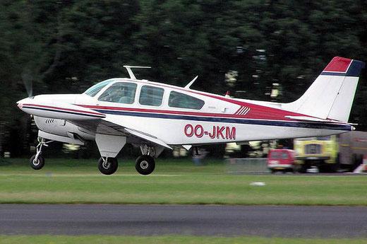 Foto van het verongelukte vliegtuig - Beechcraft F33A Bonanza  (Foto aviation24.be)