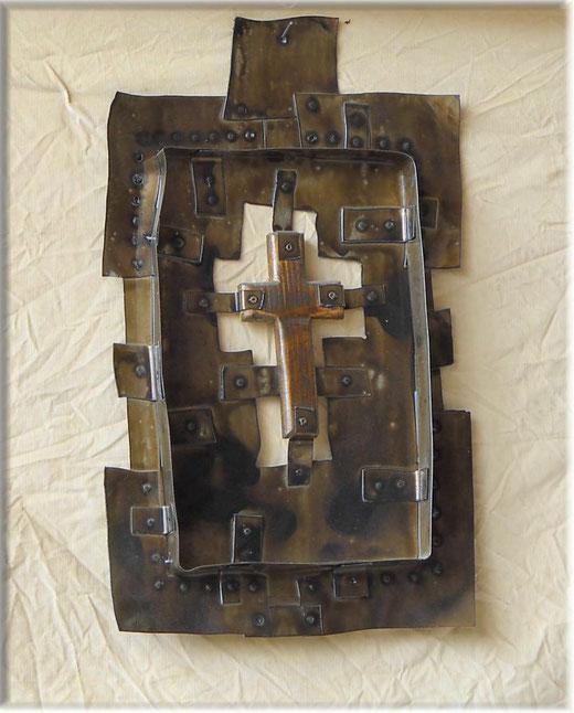 Alberto Beltrame - Croix - installazione su metallo - 40 x 60