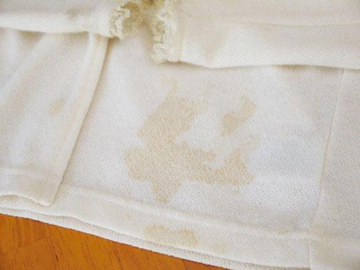 子供服、食べこぼしのシミ