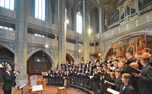 Der Stadtsingechor zu Halle mit Chordirektor Clemens Flämig (Bildquelle: Stadt Halle (Saale) / Thomas Ziegler)