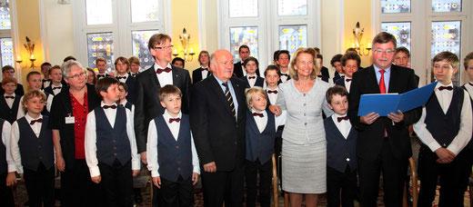 Verleihung des Kulturpreises durch Bürgermeister Arno Goßmann und Kulturdezernentin Rose-Lore Scholz im Wiesbadener Rathaus