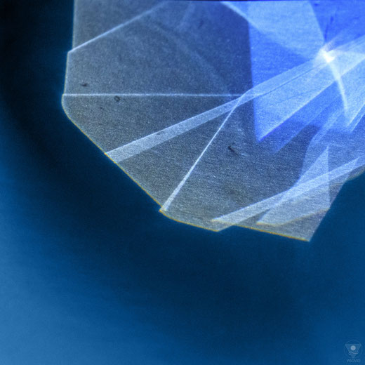 geometric reflections  | pantone classic blue 2020 VISOVIO  | www.visovio.de