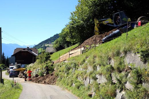knapp oberhalb vom Dipolt-Haus beginnt die Kanaltrasse hinauf zum Lerchster Helmut (Langner)