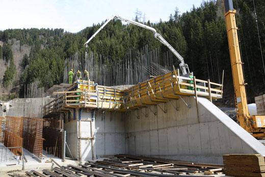 ca. 220 m3 Beton werden für diesen Abschnitt verarbeitet