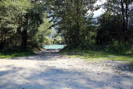 rechts dieser Lettn-Entnahmestelle am O-Ende der Radlacher Gman (Kurve) endet (beginnt) dieser wunderbare Uferweg