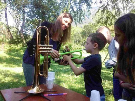 die SchülerInnen konnten (mussten) ihr Können an den verschiedensten Instrumenten unter Beweis stellen.