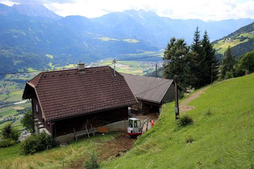oberhalb des Gehöftes von Annemarie Eder führt der Kanal zu Josef Stocker