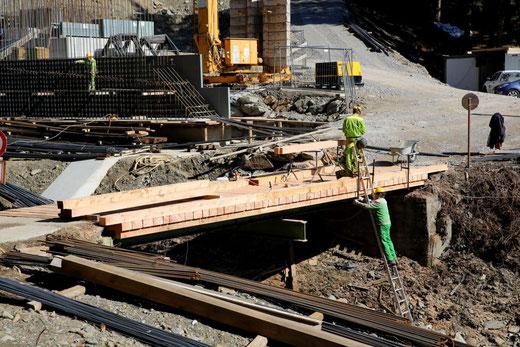 auch der teilweise angefaulte Brückenbelag wurde erneuert