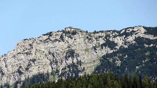 """Le """"Nid d'aigle"""" surplombe la vallée de Berchtesgaden. Le chalet du Kehlstein ne doit pas être confondu avec la résidence secondaire d'Hitler (Berghof), aujourd'hui détruite."""