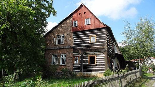 Une des jolies maison de Liska, le hameau voisin de  Zlaty Vrch.