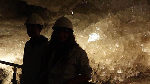 La grotte aux cristaux de sel géants.