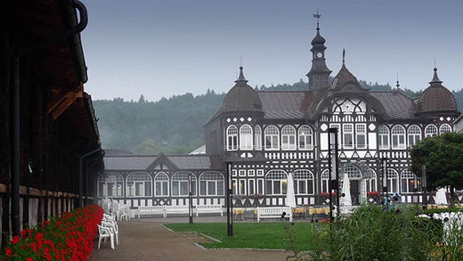 Le centre de cure de Bad Salzungen. À gauche, l'un des Gradierwerken.
