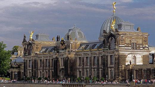 L'académie des beaux-arts, un des bâtiments restaurés de Dresde.
