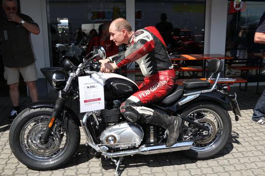 TRIUMPH Speedmaster bei Motorrad-Center Dreispitz Saisonstart 2018