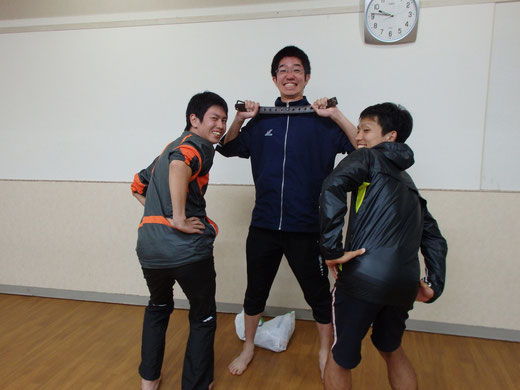 この三人組が見たい方はぜひ文教大学陸上競技部中長ブロックへ!!ヒィィィィィハァァァァァ!!!