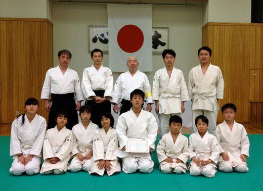 大阪府合氣道連盟から錬成証を授与されました。代表那須君。