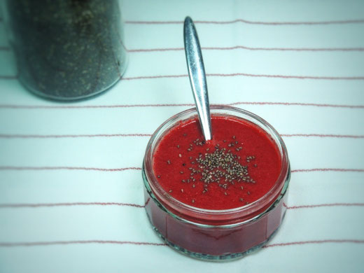 Rote Beete-Kokos Suppe