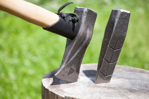 Krumpholz Forstwerkzeug geschmiedet