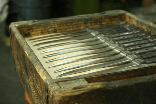 Messermanufaktur Güde Solingen - Messerklingen mit Erl