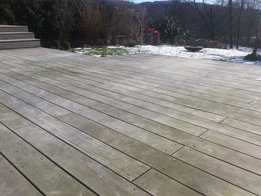 Garapa Terrasse nach dem Winter