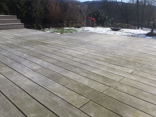 Holzterrasse reinigen - Holz-Jaeger - Tropenholz Terrasse