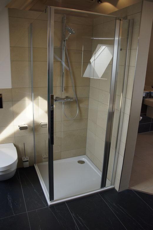Bad EG - Duschtasse 90x90cm (ohne Duschkabine)