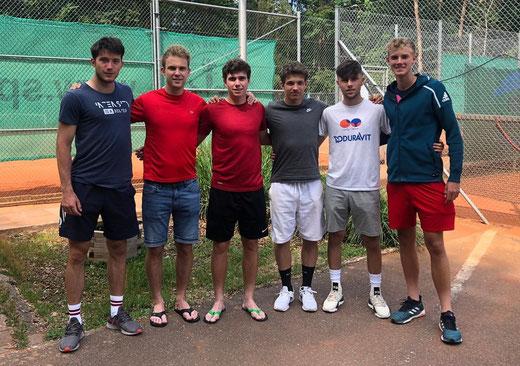 V.l.n.r.: Robert Constantinovici, Alexander Schubert, Tim Becker, Max Franusch, Tim Köbler, Andrew Paulson