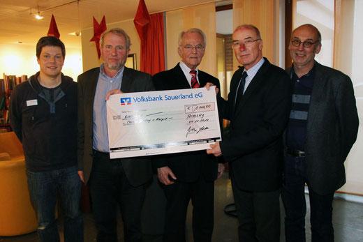 (v.l.) Gunnar Brandt, Dr. Wilhelm Geldmacher, Gerd Schulte, Wilfried Gothe, Dr. Volker Daldrup. Foto: hug