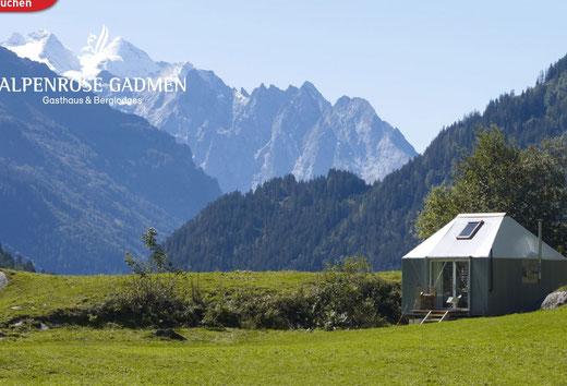 Einsames Hotelzimmer in Mitten der Bergwelt - das besondere Naturerlebnis