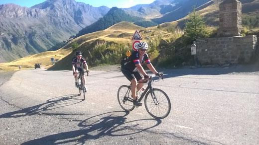 Hubert und Gerald erreichen zum zweiten Mal den Col de Vars
