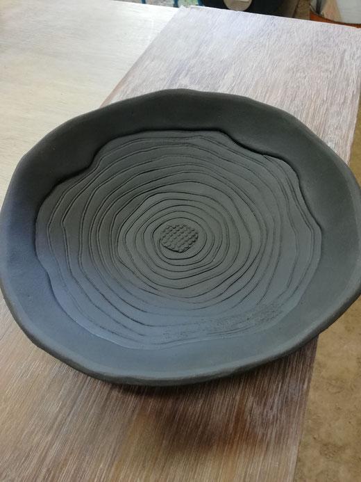 陶芸家 焼き物 陶芸作品 茨城県笠間市 粉引き作品 陶器 器 平鉢 ぐるぐる模様