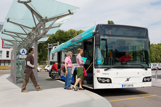 Légende : Un Volvo 7700 engagé sur le réseau urbain ; dans quelques jours, cette scène du quotidien du réseau fera pourtant partie du passé. ©Médiathèque SNCF