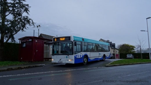 C'est reparti pour 10 ans ! Ce 7700 rénové est vu à St-Jouan-stade, prêt au départ pour Cancale. ©Antoine H.