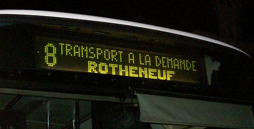 Un TAD assuré en S215 SL ! Ce scénario peu banal a eu lieu entre 2007 et 2009, lorsque la ligne 8 n'allait que sur demande jusqu'a Rothéneuf. C'est le véhicule n°56 qui est ici illustré. ©popol.