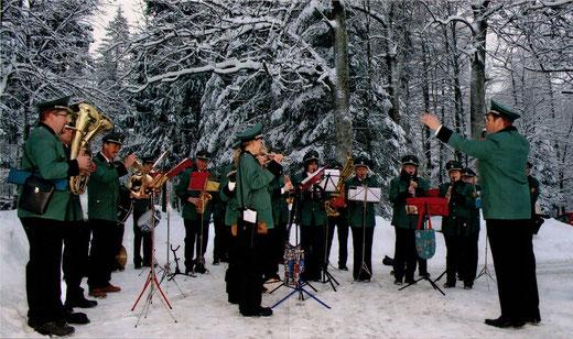 Die MKW am Forsthaus Hoheroth im Dezember 2010