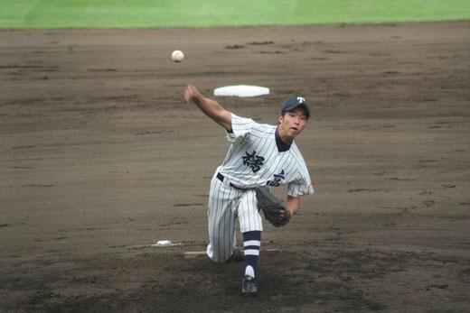 横浜隼人 1回からの攻撃は【市立橘 高田晃大】ページへ!