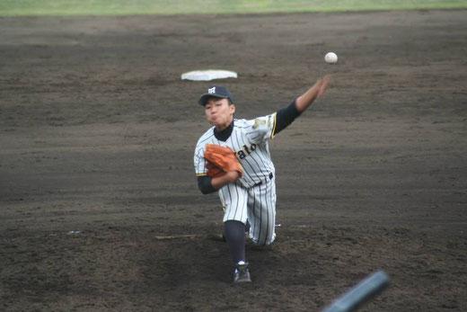 引き続き桐蔭学園の攻撃は、写真をクリック!