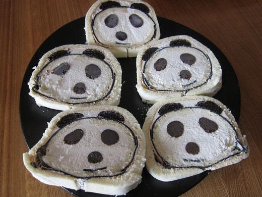 パンダロールケーキ