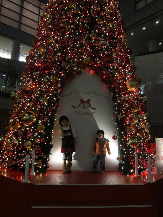 オペラシティーのクリスマスツリー