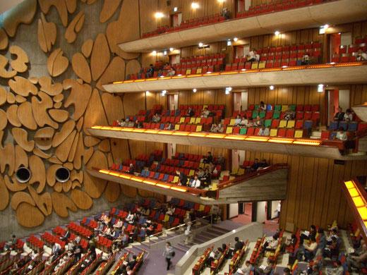 東京文化会館大ホール 設計:前川国男(1961年)