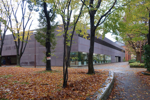 金沢市立玉川図書館 設計:谷口吉生 総合監修:谷口吉郎 1978年