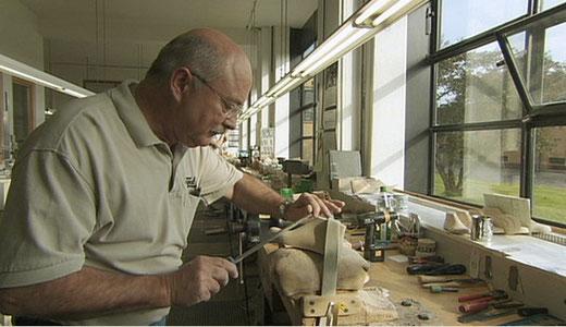 ファグス靴型工場、室内(TBSホームページより)