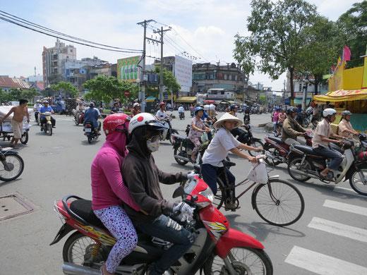 オートバイの激流