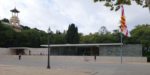 バルセロナ博ドイツ・パビリオン 設計:ミース・ファン・デル・ローエ(1929,1968再建)
