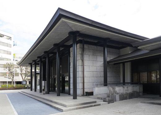 国立能楽堂メインエントランス