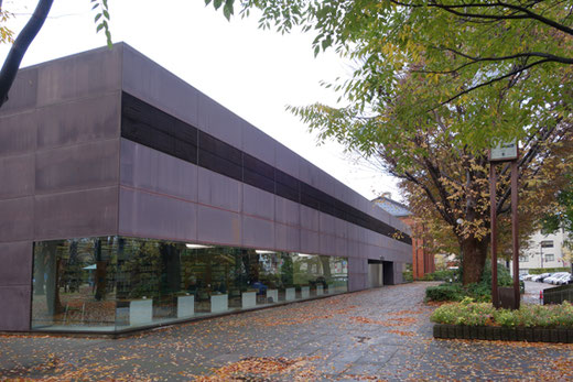 金沢市立玉川図書館 設計:谷口吉生