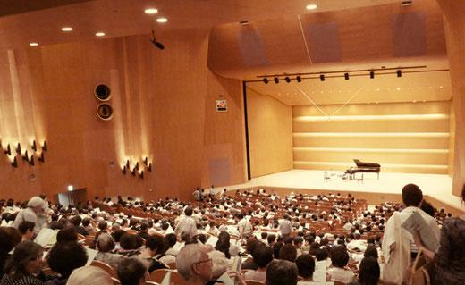埼玉会館大ホール 設計:前川国男 1966(昭和41)年