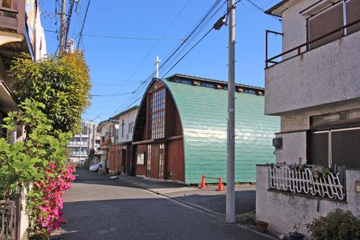 東京聖十字教会 設計:アントニン・レーモンド 1961(昭和36)年