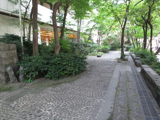 京王プラザ庭園(設計:深谷光軌)