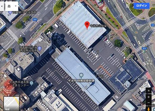 今治市市役所および公会堂(設計:丹下健三・1957年)Google Earth